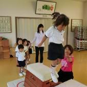 跳び箱からジャンプ