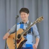 ギターのイクちゃん♪