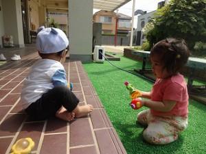 おもちゃで遊ぶのだーいすき♪