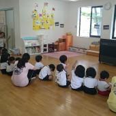 みんなで朝の歌を歌いました。