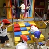 他の幼稚園児とも仲良く遊んでいました。