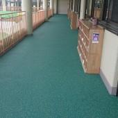 2階廊下が完成しました。