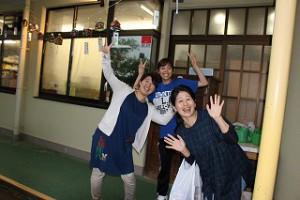 3月末まで中央幼稚園にいた山中主幹、中西先生、田中先生が遊びにきてくれました。