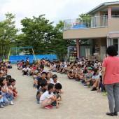 さすが小学生、整列して開会式に臨みました。