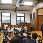 入園式は教会で礼拝形式で行いました