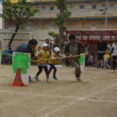 年長組親子競技 台風の目を行いました。
