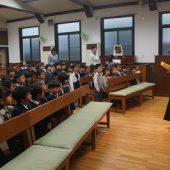 教会堂で幼児祝福式の礼拝を行いました。