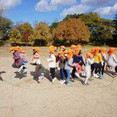 クラスのお友だちみんなで大縄跳びをチャレンジしました。なかなか難しかったです。