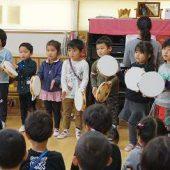 年中組は合奏と歌をプレゼントしました。