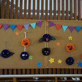 幼稚園の玄関に飾っています。