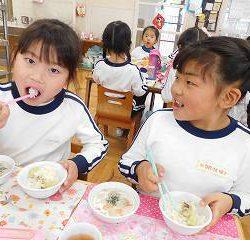 こんなに時間をかけて、お米はできるんですね! 『今度からは残さないように食べるね!』と言ってくれた子どももいました!
