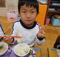 みんなで育てたお米を一粒一粒噛み締めて味わっていました!