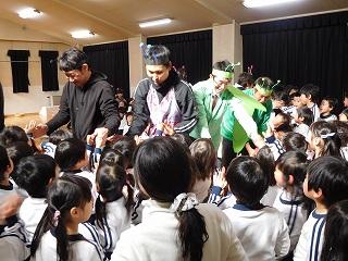 何回も練習を重ねて、子ども達を楽しませてくださって、有難うございました(#^.^#)
