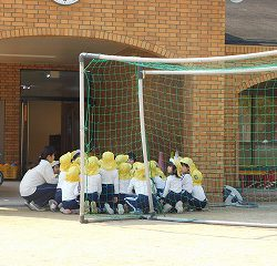 まず試合の前に各クラスで作戦会議です!