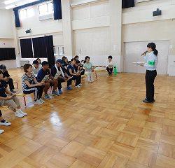 教職員も防犯について講習を受けました。不審者が現れた時の対処法を勉強しました。