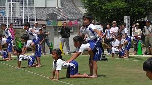 年長児演技「心をひとつに・組体操」