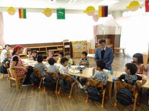 こうさぎ組の礼拝は久木先生と一緒に昼食を食べて「うれしいね」みんなのお顔が見える食卓