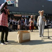 可愛いクマさんの登場に子どもたちが笑顔に!