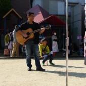 山根会長、ギターがお上手!!