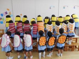 親子競技は「スシくいねぇ!」 それぞれが大好きなスシネタに変身してお父さんお母さん扮する「シャリ」と合体!