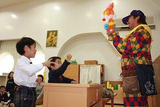 みんが大好き「ジバニャン」のバルーン☆ クラスの代表がじゃんけんをして、はと組のクラスに飾らせていただくことになりました(^^)