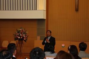 理事長の高畠神父さまからお祝いの言葉をいただきました。
