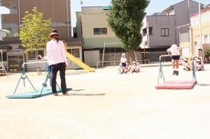 鉄棒・跳び箱、 幼稚園生活の中で出来るようになった技を披露するプログラムがあります!