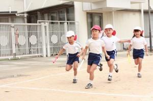 リレーも子どもたち自身がチームで作戦を立てながら 勝敗に一喜一憂しながら、切磋琢磨し練習に取り組んでいます!
