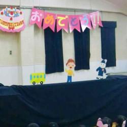 幼稚園の一日のお話しをペープサートで行いました。
